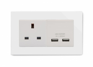 Crystal PG 13A 1G UK Socket & 2.1A Dual USB White